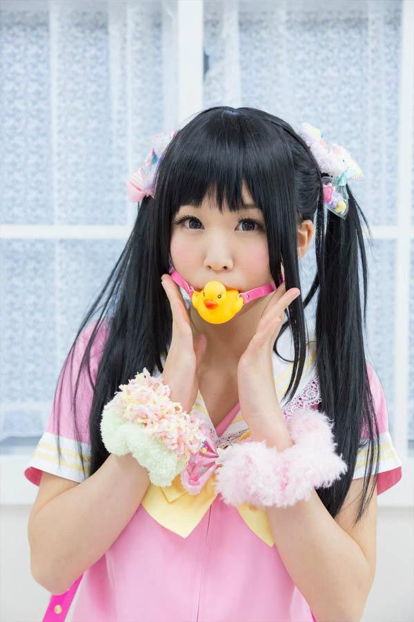 粉色可爱水手服 五木萝莉气质大爆发图片(图 1)
