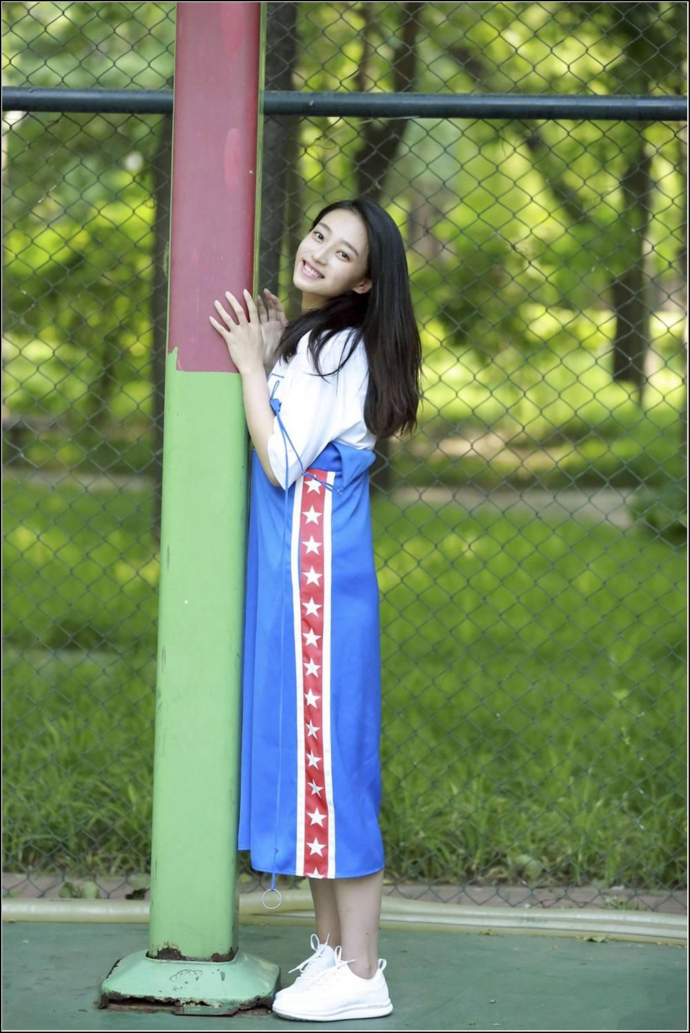 清纯美貌的灰姑娘王艺诺(图 1)